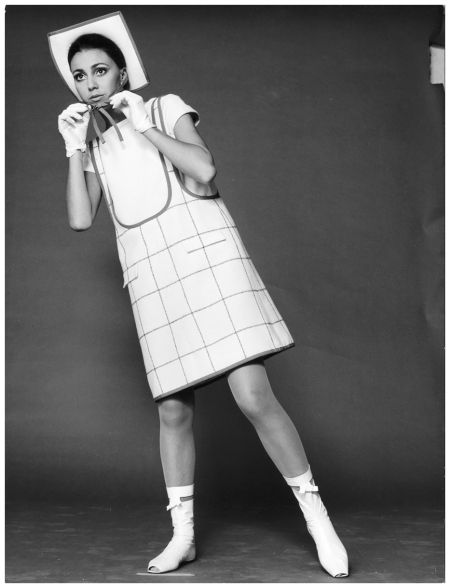 Model - in a mini dress by André Courrèges. Paris 1965 Photo F.C.Gundlach