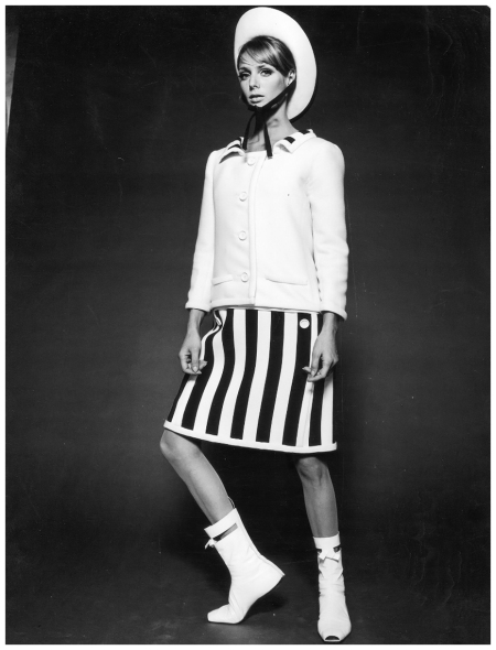 Model in a mini dress by André Courrèges. Paris 1965 Photo F.C.Gundlach