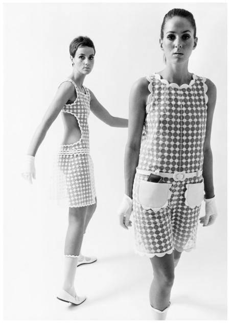 Models in summer suits by André Courrèges. Paris 1965 Photo F.C.Gundlach