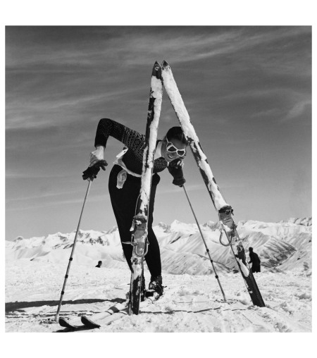 Olympic skier Marian McKean in Sun Valley, Idaho Vogue, November 15, 1941 Photo Toni Frissell, xl