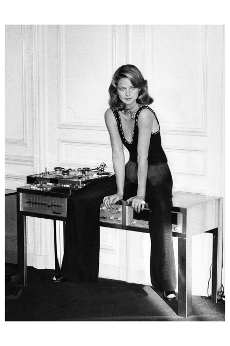 Charlotte Rampling Photo Helmut Newton, Vogue, March 1974