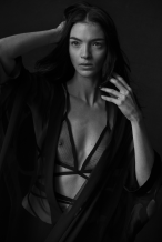 Mariacarla Boscono Vogue Italia January 2014vi5