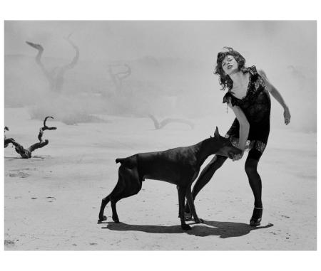 Milla Jovovich, Vogue Italy, Mojave Desert, California, USA, 2005 Peter Lindbergh