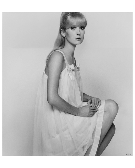 Catherine Deneuve Vgue 1966 Photo David Bailey