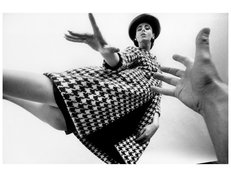 Fashion 1962 Maggi Eckardt in houndstooth coat by Ben Zuckerman,  Queen magazine Photo Art Kane c