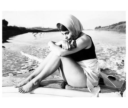 Pierluigi Praturlon (1924-1999) - Sophia Loren in motoscafo, 1961 b
