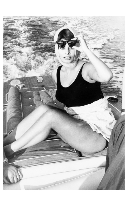 Pierluigi Praturlon (1924-1999) - Sophia Loren in motoscafo, 1961
