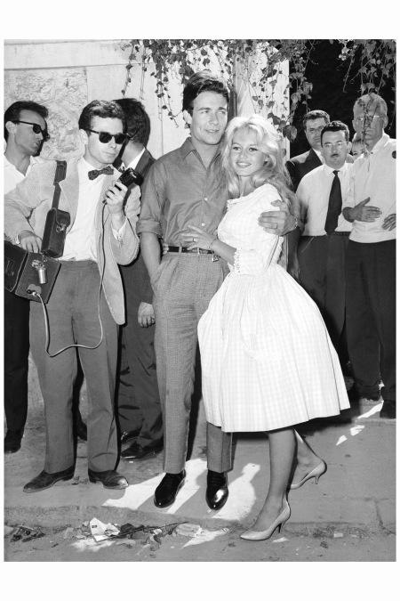 MARIAGE DE JACQUES CHARRIER ET BRIGITTE BARDOT EN ROBE VICHY 195