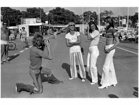Johnny Hallyday, with camera Sylvie Vartan Sheila, and Françoise Hardy In Saint Raphael, in 1969