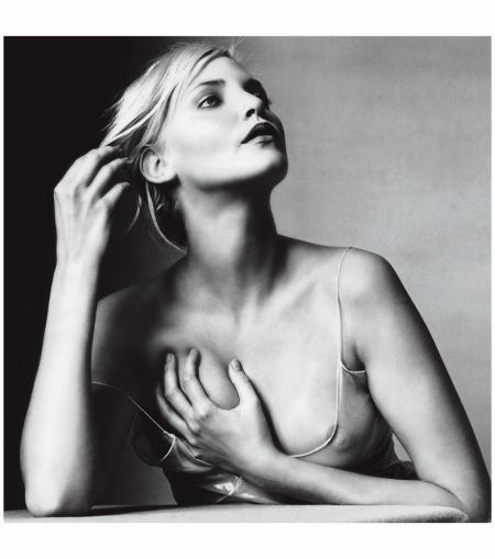 Nadja Auermann - Photo  Irving Penn, Vogue, October 2007
