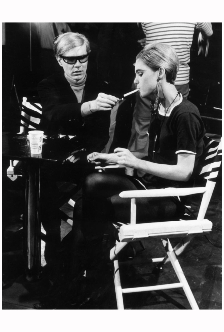 When Edie moved to New York City in 1963, she did nothing but party and enjoy her socialite status. Edie and Andy Warhol (l.) met in 1965