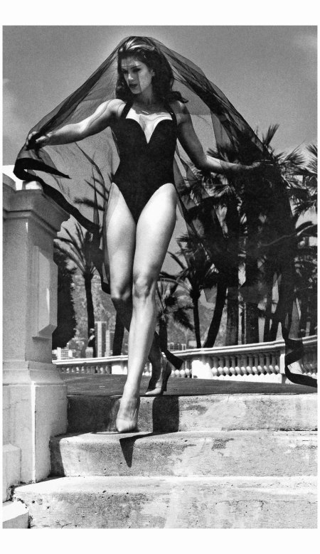 Cindy Crawford  Montecarlo 1991 Photo Helmut Newton