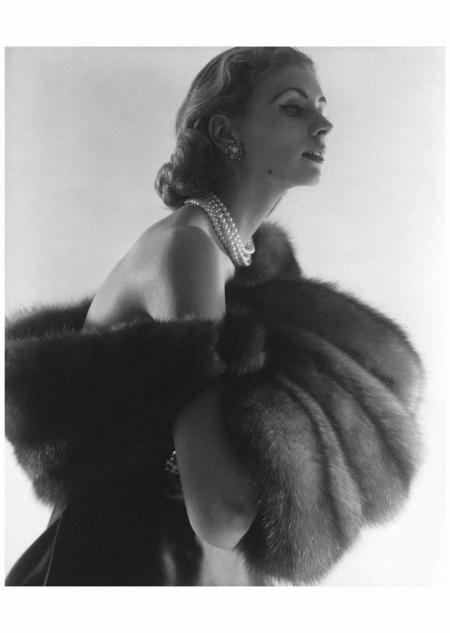 Suzy Parker - Fur Series for Vogue, 1949 Photo Horst P. Horst