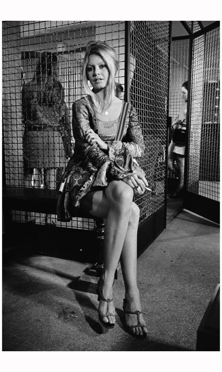 Bigitte Bardot, Cage
