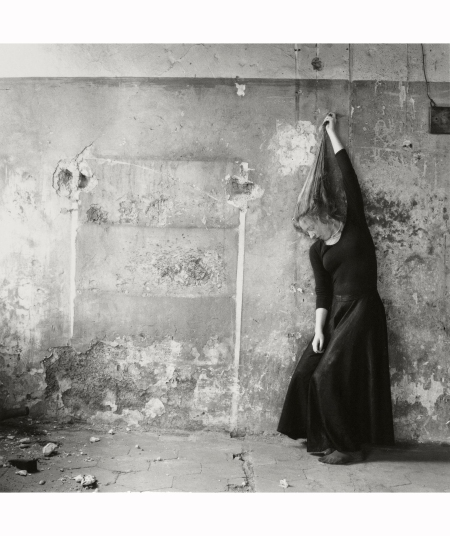 Francesca Woodman Utitled Rome it  1977-78
